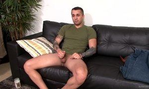 Watch A Hunky Stud Wank Off