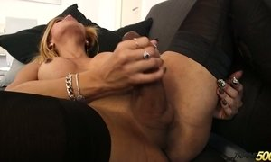 Big bottomed shemale Rayssa Barbie is jerking off her hard wang