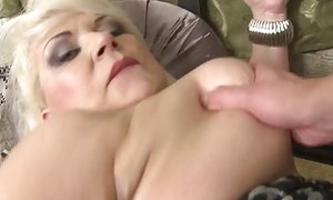 Supah mature mom boinks new meat porntube