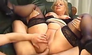 Mature BBW squirts while assfucked