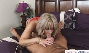 Juggy and bootyful milf Alyssa Lynn is hooking up with her stepson